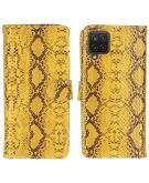 Slangenprint Booktype voor de Samsung Galaxy A12 - WitGeel